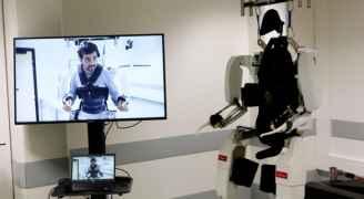 أول مصاب بفيروس كورونا الجديد في الولايات المتحدة يعالج بواسطة روبوت