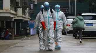 """خبراء يرجّحون استمرار أزمة انتشار فيروس كورونا لـ """"شهور"""""""