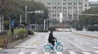"""""""فرصة واقعية لوقف"""" كورونا المستجد في الصين"""