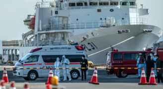 """ارتفاع الإصابات بفيروس كورونا على متن """"السفينة الموبوءة"""""""