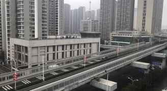 الصين تسمح لغير المقيمين في ووهان بمغادرة المدينة الموبوءة بكورونا
