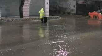 أمطار ورياح قوية في مختلف مناطق الأردن.. فيديو