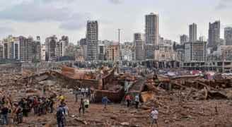 حراك دبلوماسي ومساعدات في بيروت بعد انفجار المرفأ المدمر