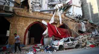 """بعد شهر من انفجار المرفأ .. سكان بيروت يلملمون جراحهم ويقاومون """"من أجل الحياة"""""""