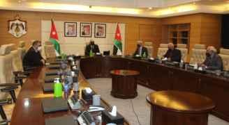 الخصاونة يشيد بالروح الوطنيّة التي جسّدها الأردنيون بمشاركتهم في الانتخابات