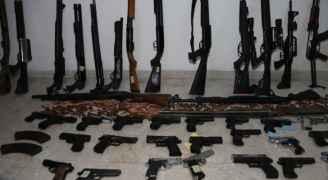 الأمن: ارتفاع عدد الاسلحة المضبوطة الى ٩٨ قطعة منذ انتهاء عملية الاقتراع