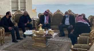 ولي العهد يعزي أهالي المتوفين بحادثة مستشفى السلط - صور