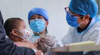 الصحة العالمية تدعو لتلقيح هؤلاء ضد فيروس كورونا قبل الأطفال