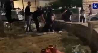 فلسطينيو الداخل يواجهون غطرسة المستوطنين بصدورهم العارية - فيديو
