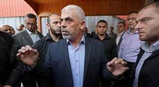شاهد أول ظهور علني ليحيى السنوار قائد حماس في غزة منذ انتهاء العدوان الإسرائيلي على القطاع - فيديو