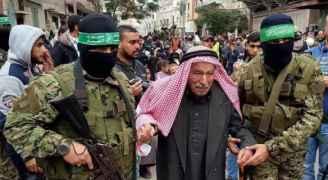 الآلاف يهتفون لمحمد الضيف احتفالا بانتصار غزة