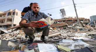 مكتبة سمير منصور في غزة استحالت ركاما بعد القصف الإسرائيلي