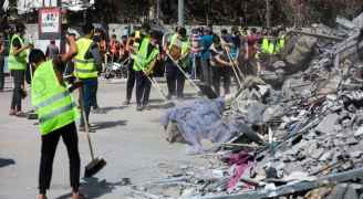 """فلسطينيون يعلنون عن أكبر حملة تطوع لتنظيف شوارع غزة: """"حنعمرها"""" - فيديو وصور"""