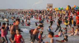 بعد ١١ يوما من العدوان.. الحياة تعود إلى شواطئ غزة - فيديو وصور