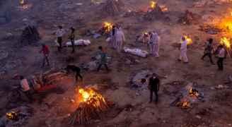 الهند تسجل أعلى عدد وفيات بكورونا في شهر