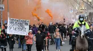 الآلاف يتظاهرون ضد تدابير الإغلاق لمواجهة كورونا في سيدني بأستراليا