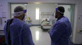 الحكومة تحذر من الارتفاع الحاد في نسب الإصابات بكورونا في الأردن