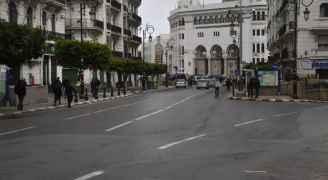 تمديد حظر التجول الجزئي ١٠ أيام لمواجهة متحور دلتا في الجزائر