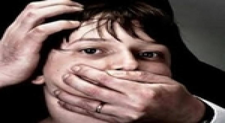 أمريكي يخطف طفلا ويطلق سراحه لأنه مزعج !!