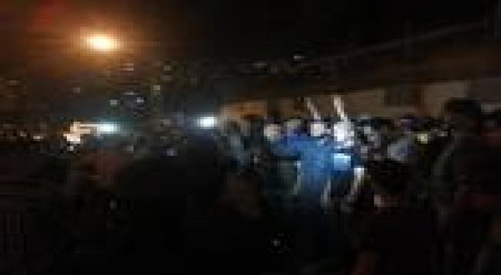 """نشطاء يعتصمون امام الديوان الملكي تضامنا مع """"معان"""" - صور"""