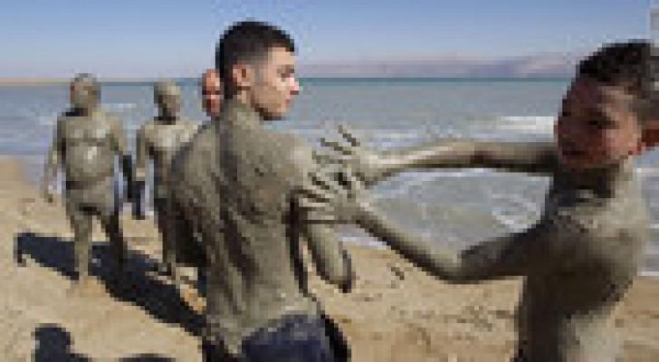 البحر الميت يستضيف المهرجان السنوي الأول للطين