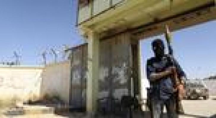 ليبيا : نزوح من بنغازي وارتفاع قتلى المعارك