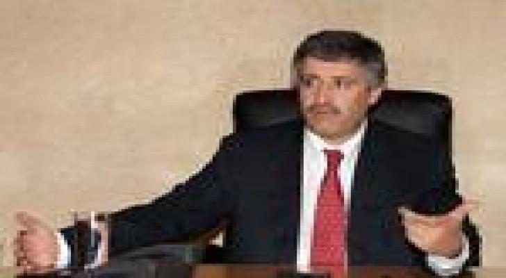 وزير العمل يعقد مؤتمرا صحفيا الاربعاء