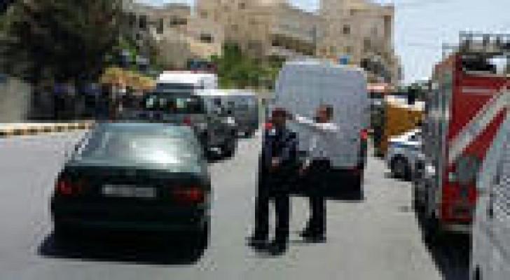 نجاة 20 طالبا بعد إنقلاب حافلتهم المدرسية ..صور