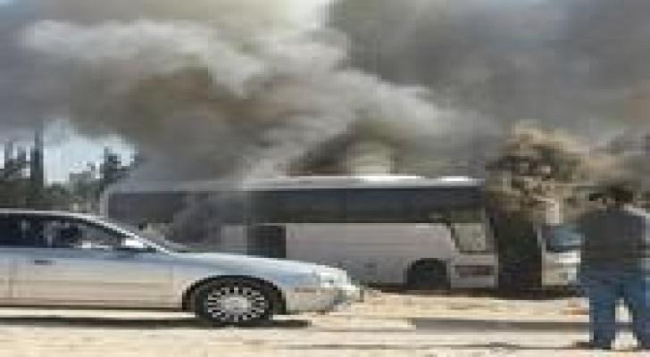 احتراق حافلة على طريق المطار .. صورة
