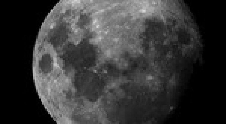 تجارب لنقل بيانات إلى القمر بسرعة 19.44 ميجابت في الثانية