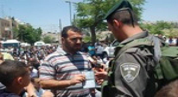 الاحتلال يفرض قيودا على دخول الفلسطينيين للقدس