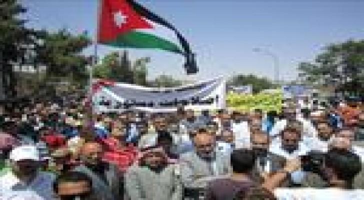 حراك الطفيلة ينظم مسيرة تطالب بمحاربة الفساد