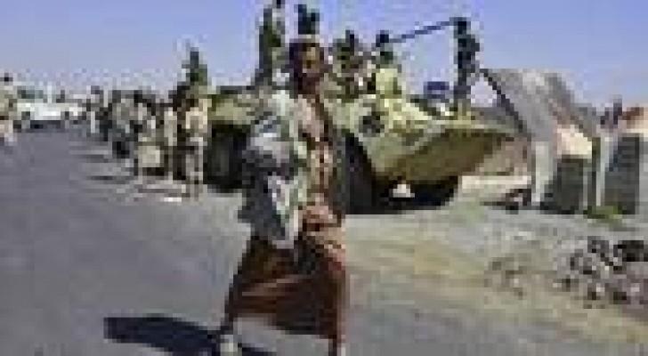 عشرات المسلحين الحوثيين يقتحمون مسجدا للسلفيين بصنعاء