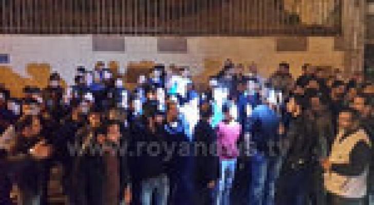 مسيرة لابناء حي الطفايلة للافراج عن موقوفين