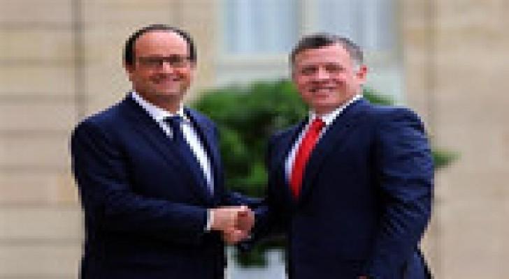 الملك يتلقى اتصالا هاتفيا من الرئيس الفرنسي