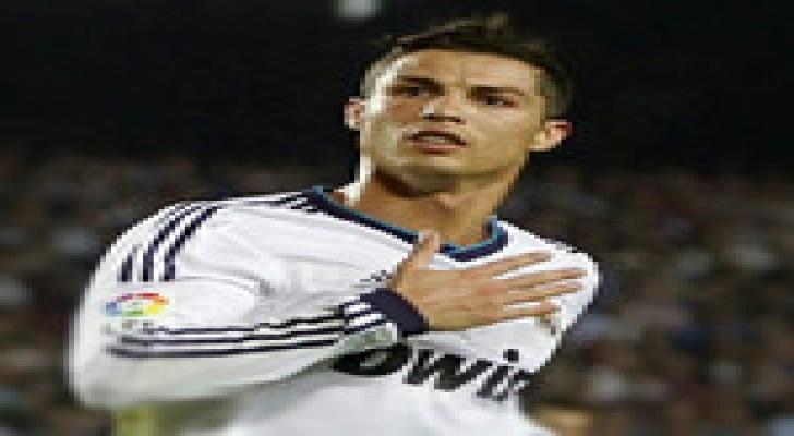 رونالدو الأعلى دخلا بين لاعبي كرة القدم في العالم