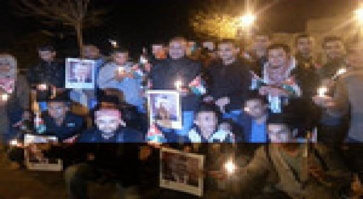 شباب وفنانون اردنيون يستذكرون ضحايا تفجيرات عمان.. صور