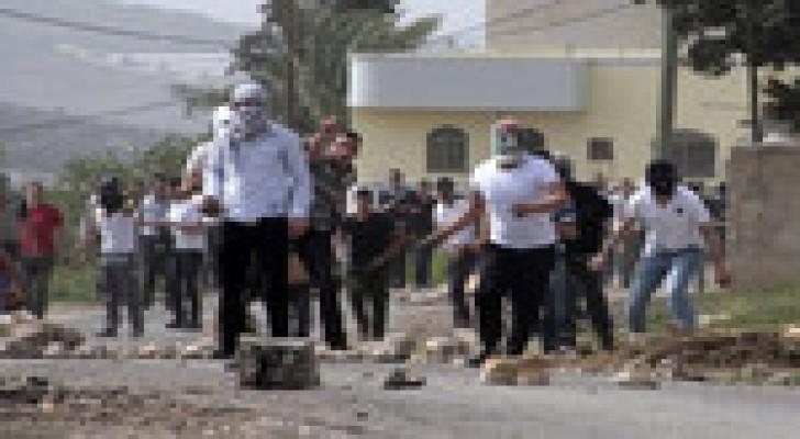 زجاجات حارقة باتجاه قوات الاحتلال في الطور بالقدس المحتلة