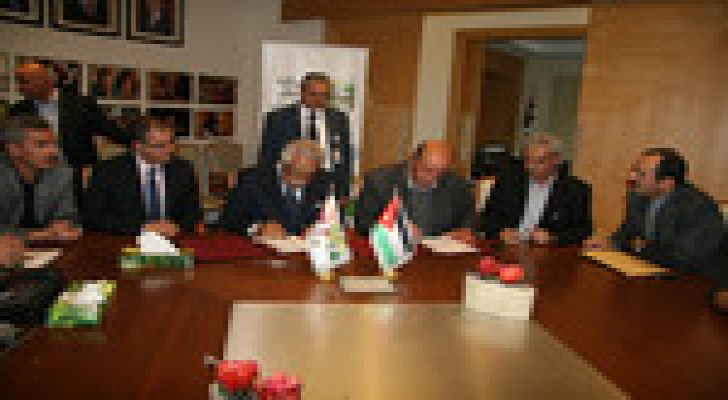 توقيع اتفاقية تنفيذ مشروع تقاطع الصناعة بكلفة 14 مليون و800 الف دينار