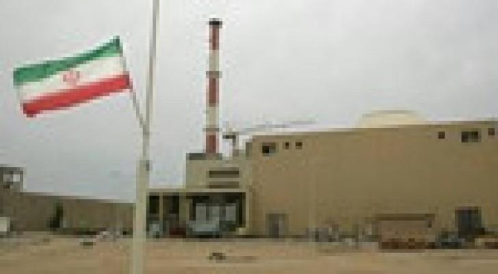 إيران وروسيا توقعان اتفاقا لبناء مفاعلين نوويين جديدين في بوشهر