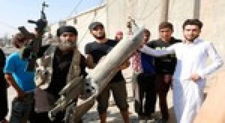 """داعش يهدد بإعدام 100 شخص في العراق ويعدم قياديين انضما إليه من """"النصرة"""""""
