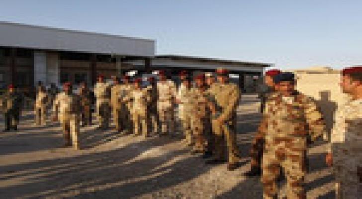 العبادي يعزل 36 قائدا عسكريا في سعيه إلى محاربة الفساد