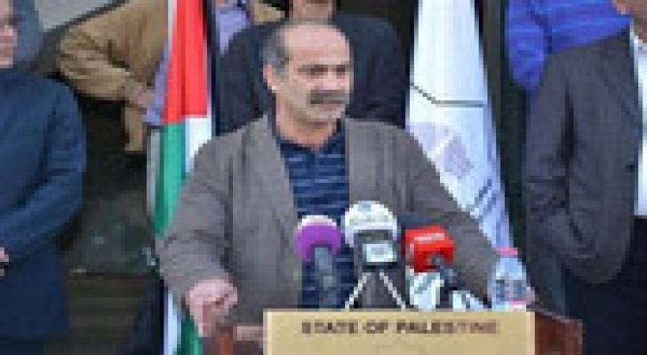 عباس مهاتفاً رئيس المجلس التشريعي: سلم نفسك للاعتقال