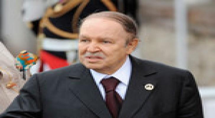 بوتفليقة يستقبل سفير فلسطين الجديد في أول ظهور بعد معلومات عن نقله للعلاج بفرنسا