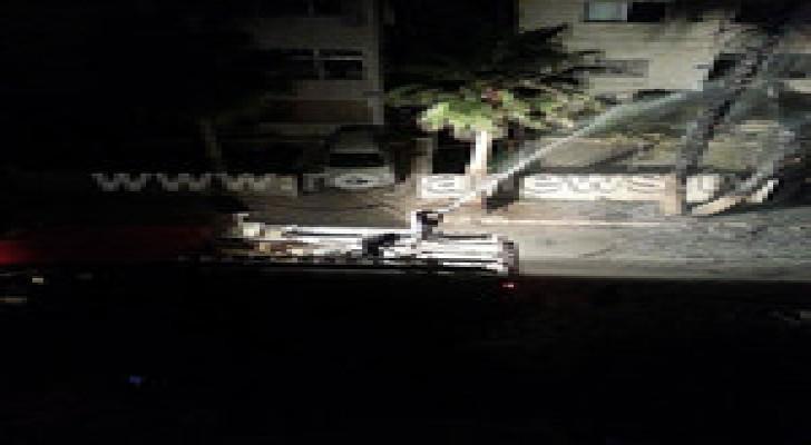 عمان : أطفال يضرمون النار باشجار قرب المدينة الرياضية .. صور