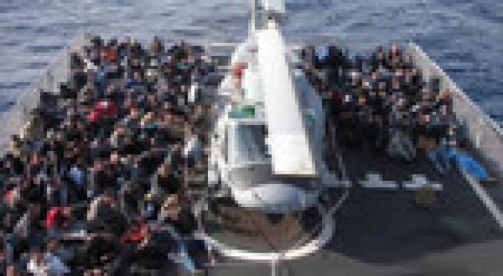 ايطاليا اغاثت الف مهاجر في المتوسط خلال ال24 ساعة الاخيرة