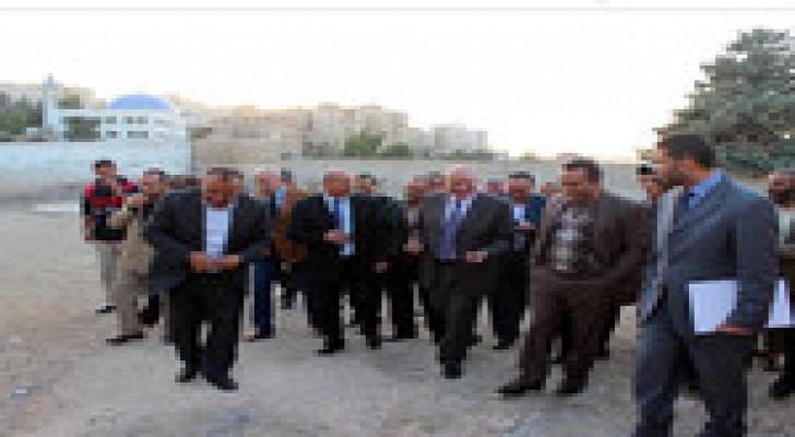 وزير التربية والتعليم يوعز ببناء مدرسة جديدة في لواء وادي السير