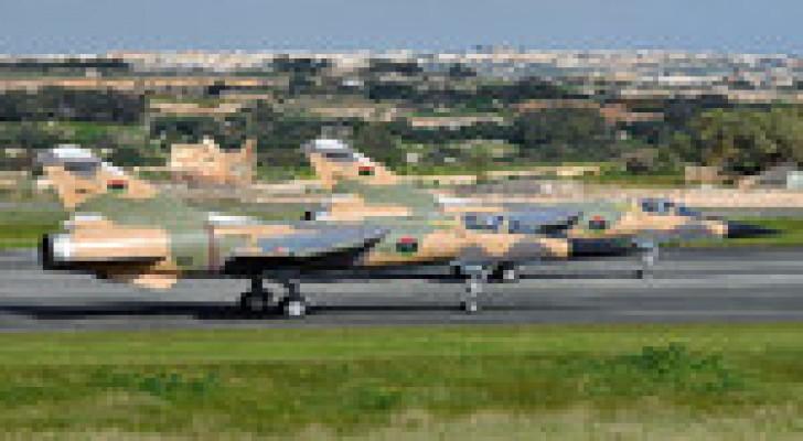 """ليبيا: مقاتلات الجيش تستهدف """"فجر ليبيا"""" في غريان"""