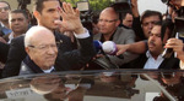 السبسي والمرزوقي للدور الثاني من رئاسية تونس
