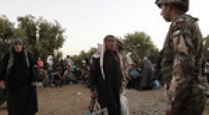 حرس الحدود تستقبل 69 لاجئاً سورياً الاحد
